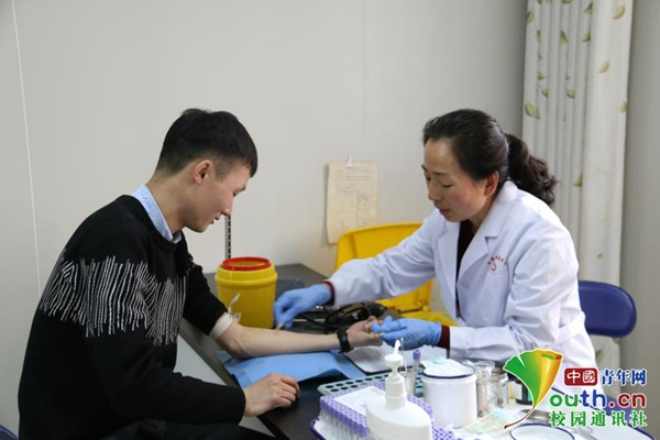 """熊猫血""""盖玉玺:相信越来越多的人会参与到无偿献血的队伍中来"""