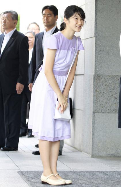 日本爱子公主暴瘦成蛇精脸