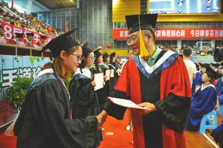 &quot混&quot文凭?没门了 川北医学院今年83人未能按期毕业