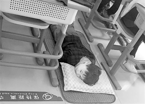 """调查:滨江区的新学校爱开""""午睡室"""""""