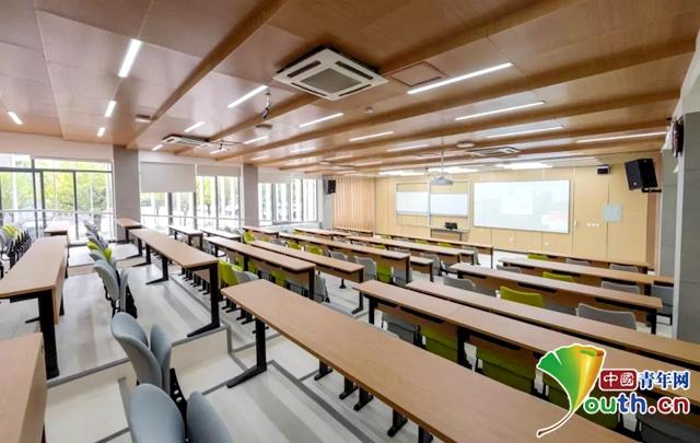 四川大学打造网红教室:可语音控