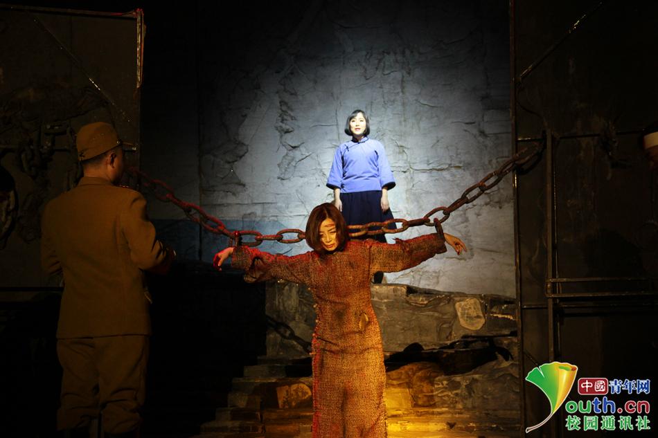 大型话剧《赵一曼》在西南科技大学温情上演